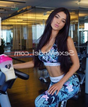 Cannelle escort girl rencontre dominatrice au Thor