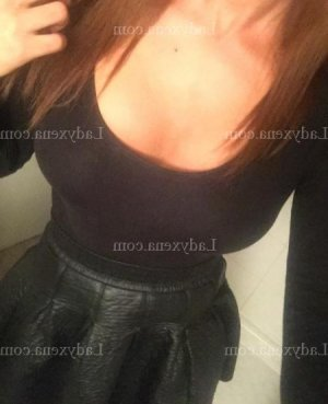 Aymone escort girl